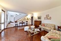 Villa bifamiliare Villasanta in Vendita